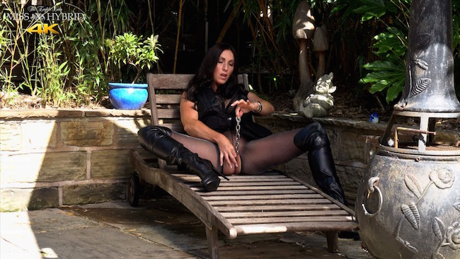 Miss Hybrid outdoors blowjob in thigh boots and pantyhose.